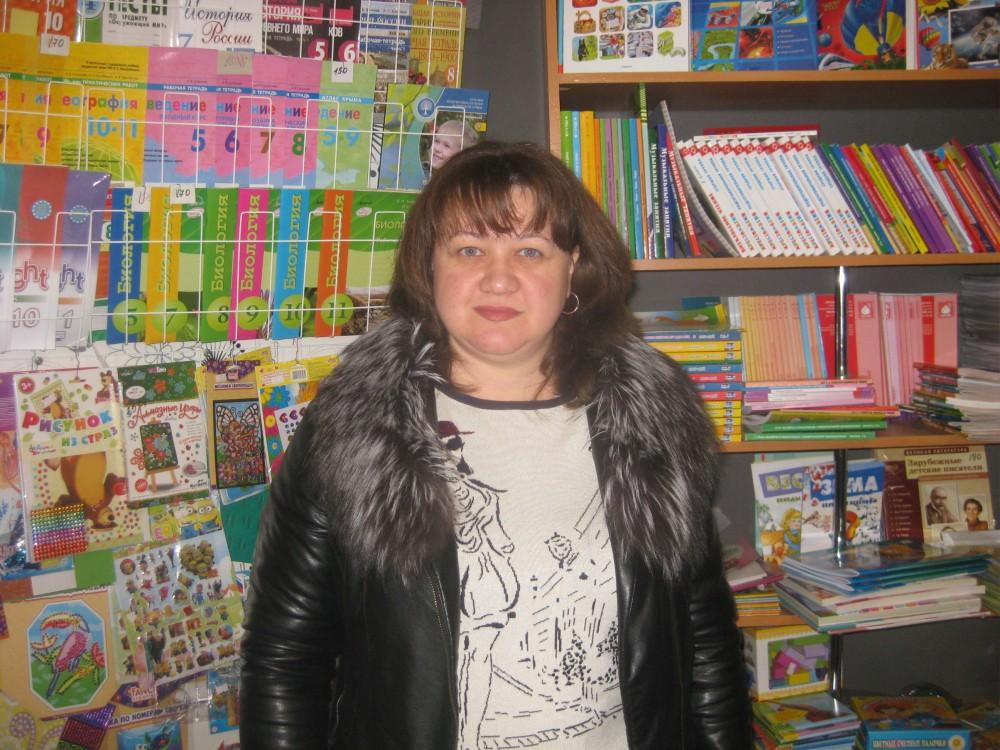 Фото новости - Доска почета сети магазинов «Умные книги»