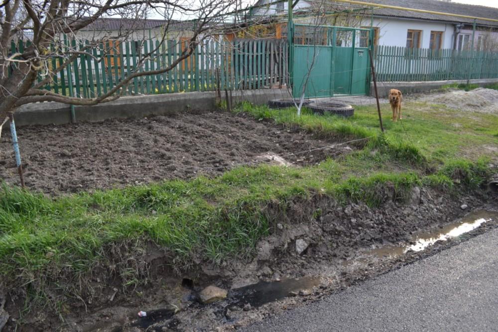 Фото новости - В Феодосии продолжают наказывать за слив канализации на улицу