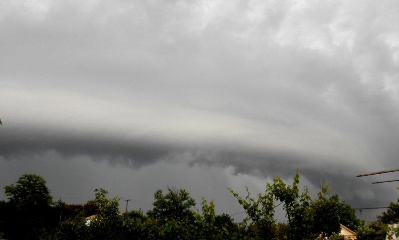 Фото новости - Шквальный ветер, грозы и дожди вновь идут на Крым