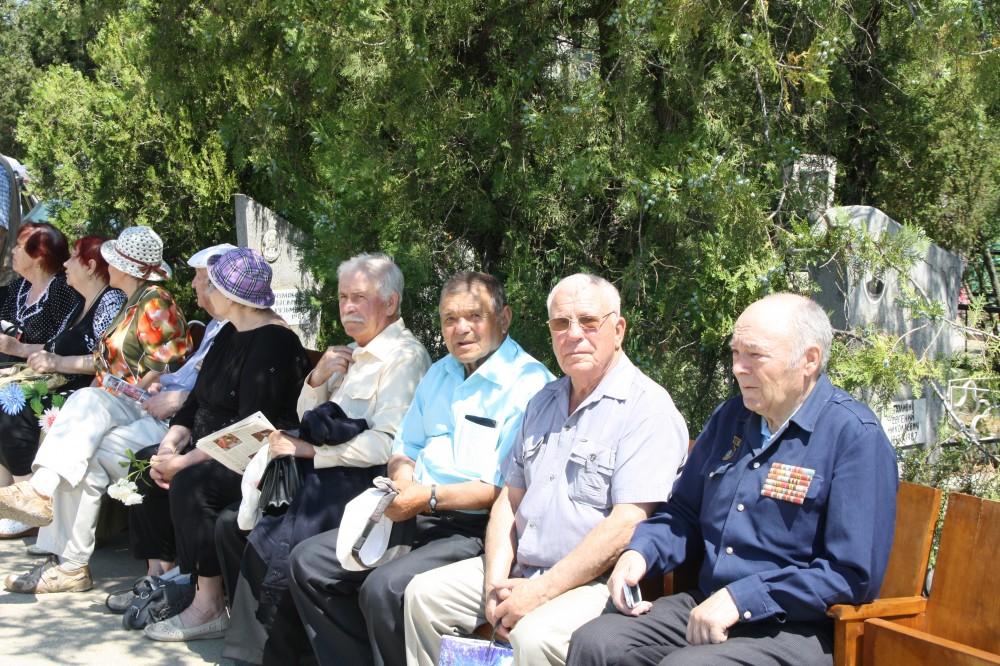 Фото новости - В Феодосии предали земле останки воинов