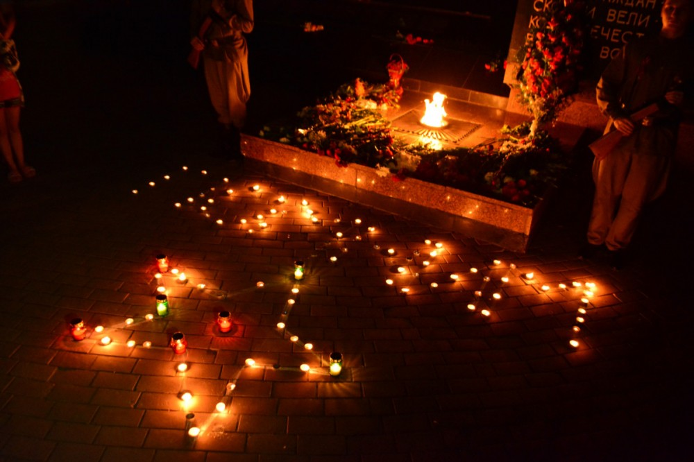 Фото новости - Феодосия поддержала всероссийскую акцию «Свеча памяти»