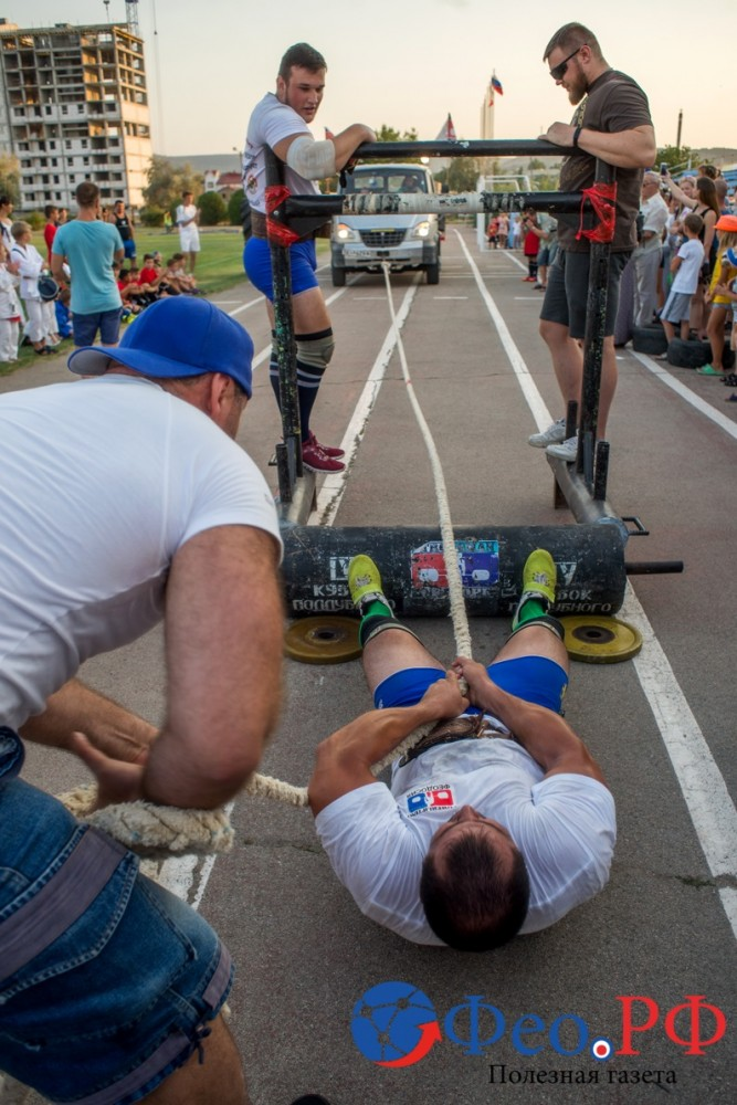 Читать подробнее: В Феодосии День физкультурника отметили комическим футболом