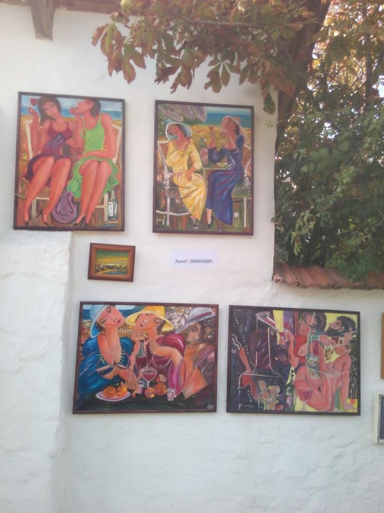 Читать подробнее: «Подзаборная» выставка в Коктебеле