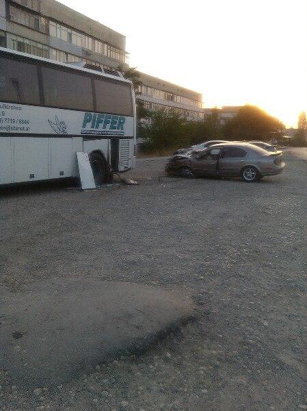 Фото - Ночное ДТП в Феодосии: столкнулись две легковушки (ФОТО)