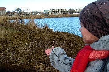 Увеличить - На озере Аджиголь разрушили дамбу