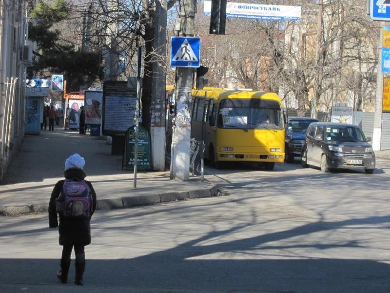 Исполком Симферопольского горсовета намерен провести дальнейшее изменение автобусных маршрутов в центральной части города.