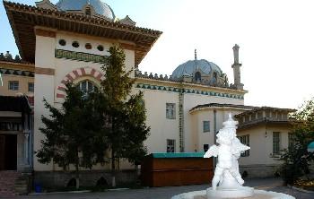 На территории знаменитой феодосийской дачи Стамболи оборудуют мемориальный дворик, где расставят старинные надгорбия - «Новости Феодосии»