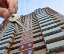 В Симферополе прокуратура вернула сироте квартиру по суду