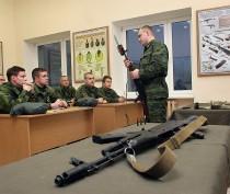 Медведев распорядился создать военные кафедры в двух ведущих крымских вузах