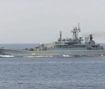 Корабли ЧФ отрабатывают в Чёрном море спасение экипажа подлодки при помощи глубоководного аппарата