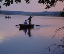Четверо браконьеров незаконно выловили на озере Карлеутское мелких ракообразных почти на полмиллиона рублей