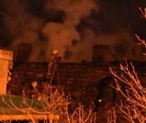 Три десятка ялтинцев остались без крова из-за пожара в двухэтажном доме