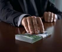 Крымский Следком подозревает замглавы администрации Керчи и замдиректора одного из МУП города в вымогательстве взятки – официально