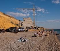 Власти Крыма определятся с процедурой борьбы с самостроями в 100-метровой прибрежной зоне к концу января
