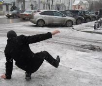 Обильный снегопад не создал проблем на дорогах, идущих через крымские перевалы – МЧС