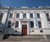 Два крымских музея и республиканская библиотека получат ценности, конфискованные у контрабандистов