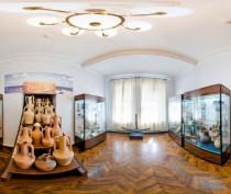 Крымские музеи получили более 900 культурных ценностей из России