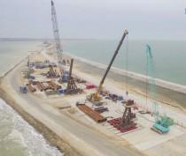 Морозы не повлияли на ход строительства Крымского моста