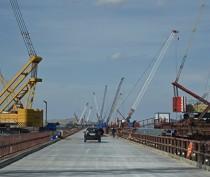 Строители Крымского моста приступили к монтажу пролётов на морские опоры ещё на одном участке акватории