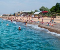 Большинство туристов приехали в Крым семьями и остановились в частном секторе
