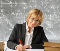 Минобраз Крыма добивается повышения зарплат учителей за счет пересмотра штатного расписания
