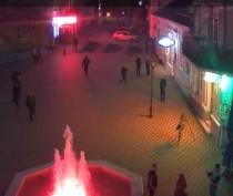 Теперь можно наблюдать за фонтаном на музейной площади