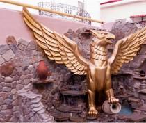 КТО есть КТО: «Золотой грифон»