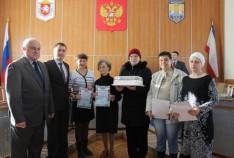 Феодосия. Новость - Руководство Феодосии поздравило Ассоциацию многодетных семей