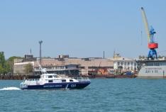 Феодосия. Новость - В районе мыса Опук моряки-пограничники спасли яхту