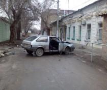 Новости Феодосии: В Феодосии мужчина на «восьмерке» протаранил забор (ФОТО)