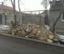 Новости Феодосии: Еще несколько хозяев получили по протоколу за мусор у домов в Феодосии (ФОТО)