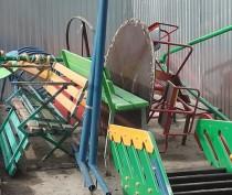 Новости Феодосии: В Феодосии демонтировали ранее обнесенную забором детскую площадку на Федько, 103 (ФОТО)