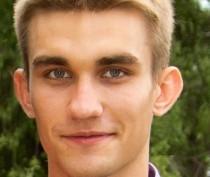 Полгода родители пропавшего в Феодосии парня не теряют надежды и верят, что их сын жив (ФОТО)