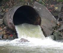 В Коктебеле два кафе попались на «хитрых» врезках в ливневую канализацию