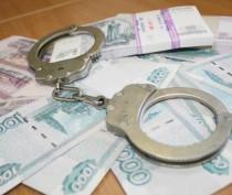 В Феодосии рецидивист попался на краже: взломал окно и украл из дома деньги