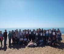 Новости Феодосии: Феодосийские школьники продолжают готовить пляжи к сезону