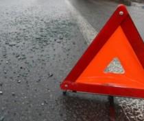 Новости Феодосии: В Феодосии легковушка врезалась в дерево: есть пострадавшие