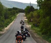 Новости Феодосии: Индийские байкеры возложат цветы к памятнику Афанасию Никитину в Феодосии