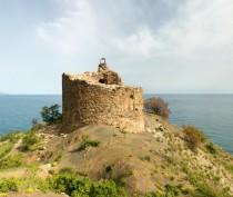 Новости Феодосии: Чобан-Куле — развалины замка на живописном мысе близ Судака