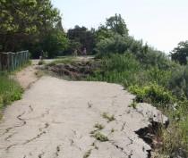Новости Феодосии: Оползень в районе школы под Феодосией