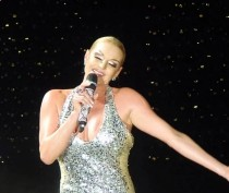 Балерина Волочкова даст бесплатный концерт в Феодосии