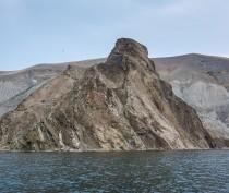 Новости Феодосии: Феодосийские спасатели эвакуировали со скалы близ Тихой бухты мужчину