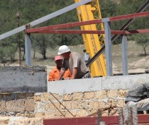 Новости Феодосии: Подрядчик завершает  монолитные работы на стройке челноковского детсада  в Феодосии (ФОТО)