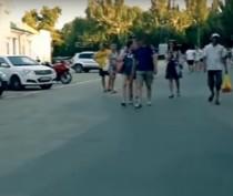 Новости Феодосии: «Феодосийский взгляд» на незаконную парковку на Привокзальной площади