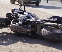 Под Керчью мотоциклист сбил автоледи: есть пострадавшие