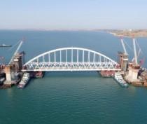Под аркой Крымского моста проплывут 250 участников фестиваля парусных видов спорта