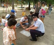 Дорожные полицейские Ленинского района провели акцию «За безопасность детей на дорогах»