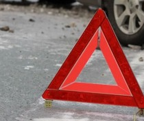 Занесло: в Феодосии иномарка сбила пешехода на обочине