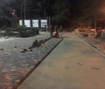Власти Керчи реконструируют в Молодежном парке больше, чем планировалось (ФОТО)