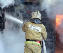 В Керчи горел жилой дом: есть пострадавший